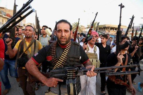 Iraq ups defences as militants near Baghdad