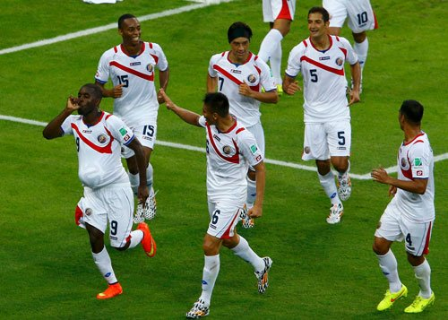 Costa Rica fight back to stun Uruguay 3-1