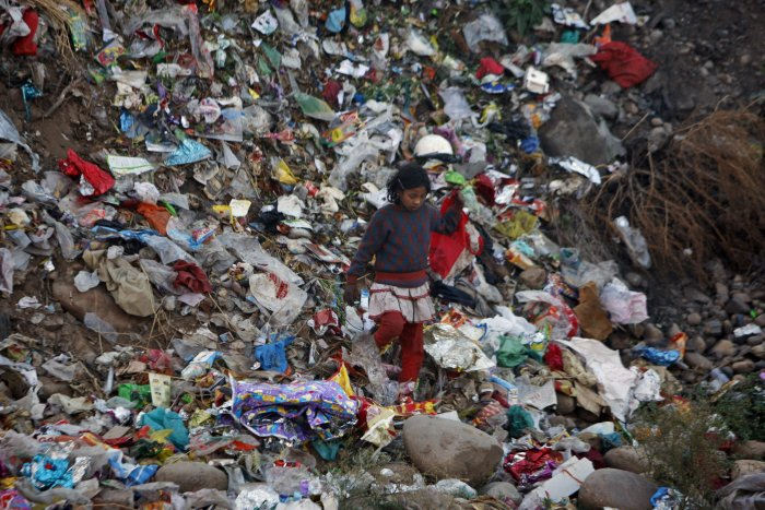 Garbage issue; govt to give undertaking to Mandur residents