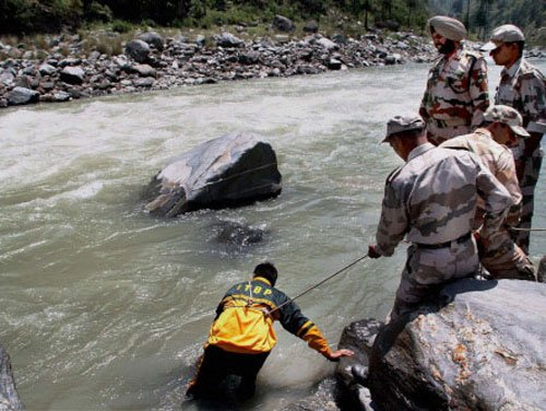 Beas tragedy: No trace of 17 missing persons as rains pose hurdles