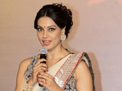 Snippets: Bipasha pushes near, dear ones into fitness mode