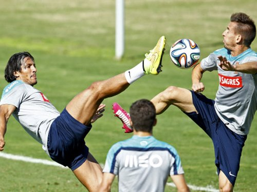 Portugal's Alves joins injured list