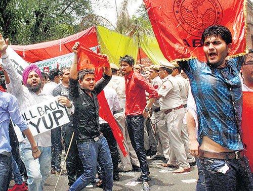 DU modifies 4-yr UG course, 'ignores' UGC