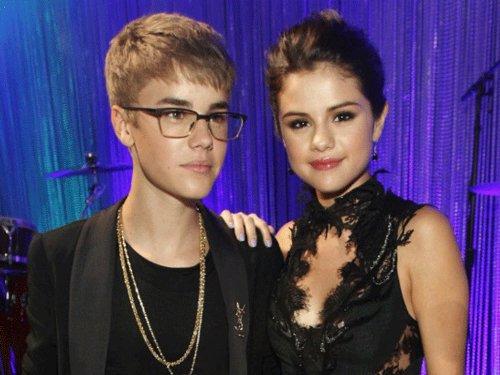 Bieber, Gomez on a romantic date