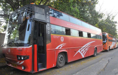 Alert passengers avert mishap in Volvo bus