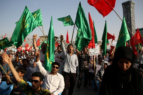 Thousands of Indian Muslims sign up to defend Iraq's shrines