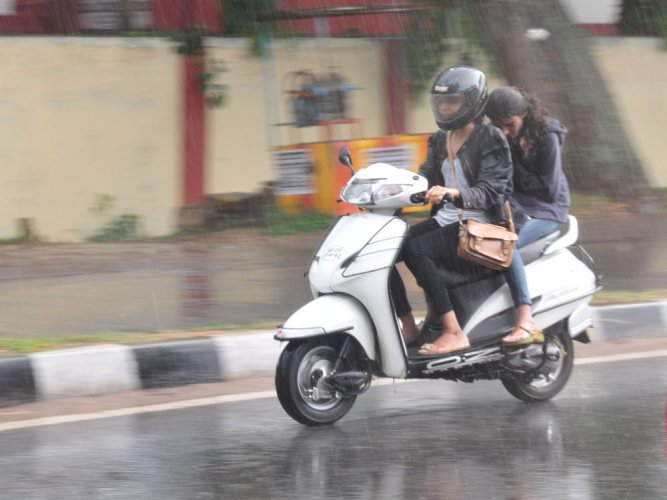 Rain continues in North, temperatures dip marginally