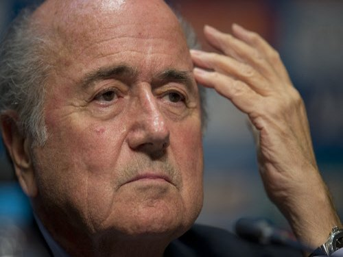 Blatter condemns Suarez