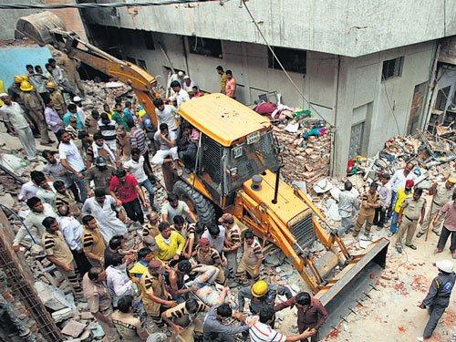 10 die in Delhi crash