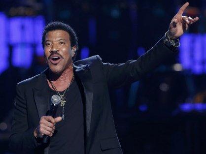 Lionel Richie gets Lifetime Achievement award