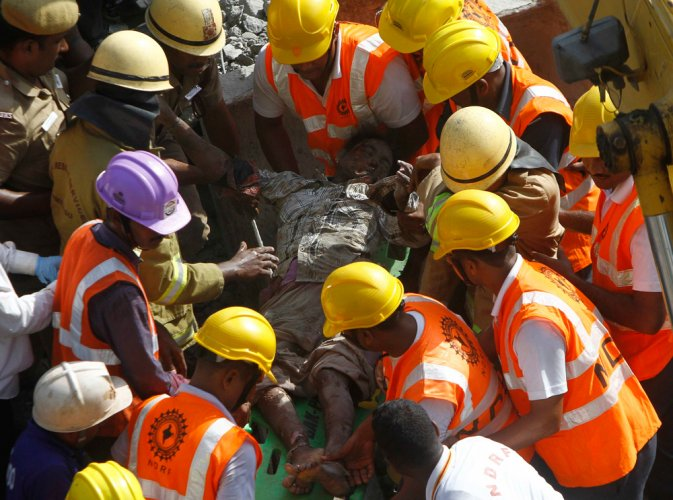 Toll rises to 26 in Chennai building collapse