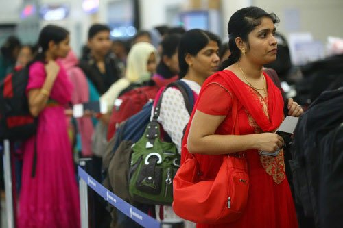 Nurses return home, joy erupts among family members