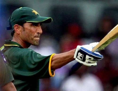 Unfit Gul ruled out of Pak squad, Younis returns for ODIs
