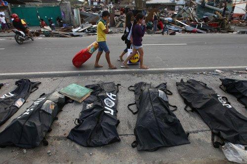 Typhoon Rammasun toll in Philippines rises to 10
