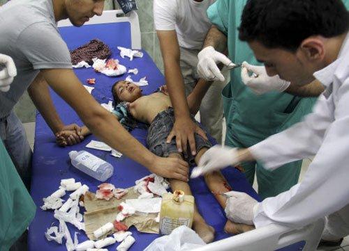 Israel presses blistering attack on Gaza; toll 558