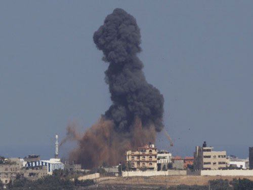 Gaza bloodbath continues; diplomats scramble for ceasefire