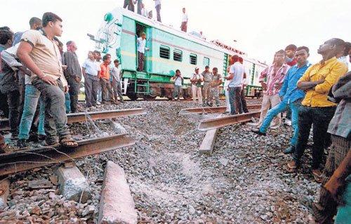 Rajdhani pilot engine derails in Maoist blast
