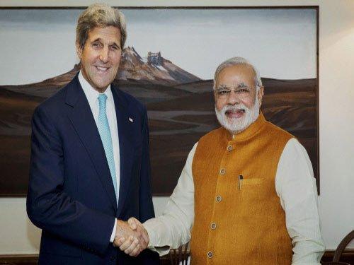 Kerry meets Modi in prelude to Washington summit