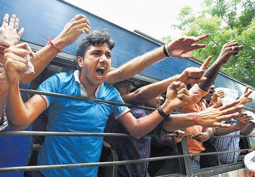 UPSC aspirants allege police restrictions