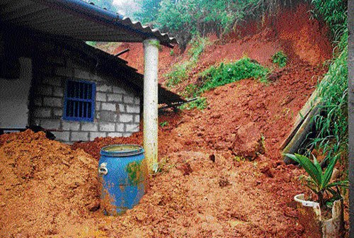 Rain pounds State, rivers in spate