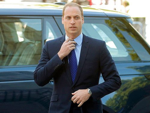 Prince William to fly again for UK air ambulance service