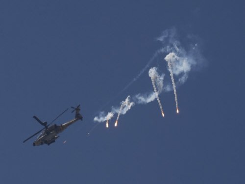India-US to discuss sale of additional Apache attack choppers