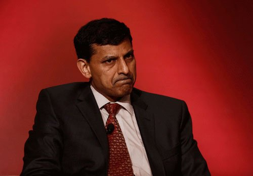 RBI chief Rajan warns of global market 'crash'