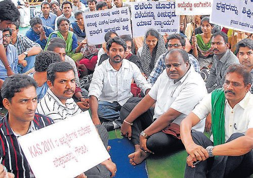 We are deprived of lifetime opportunity, say aspirants