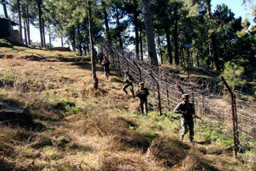 Pak targets LoC posts again, 2nd ceasefire violation in 37 hrs