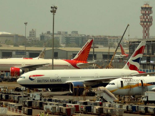 Foreign airlines join in offering discounts on I Day