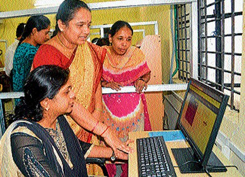 Online trading of jaggery, a ray of hope for farmers of Mandya