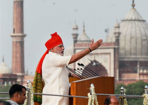 Want to move ahead with consensus: Modi