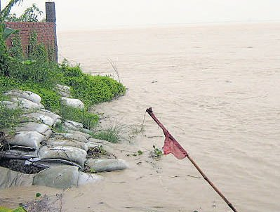 Over 100 Bihar villages flooded; rivers rising