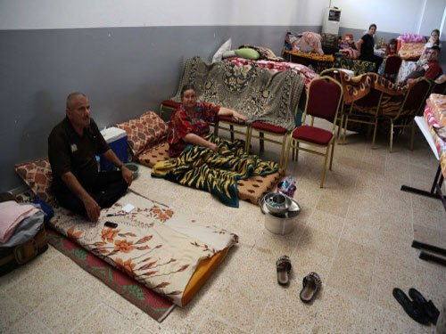 Displaced Iraq Yazidis left hungry and desperate