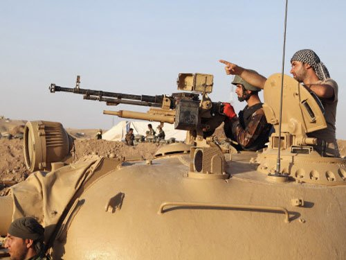 US conducts massive airstrikes against IS militants in Iraq