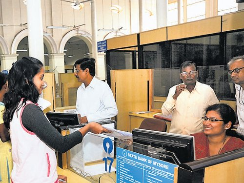 Women bank staff to pick transfers