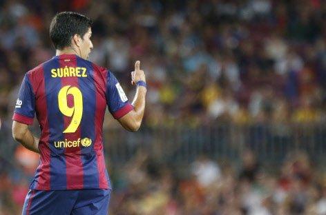 Neymar, Messi on target as Suarez makes Barca debut