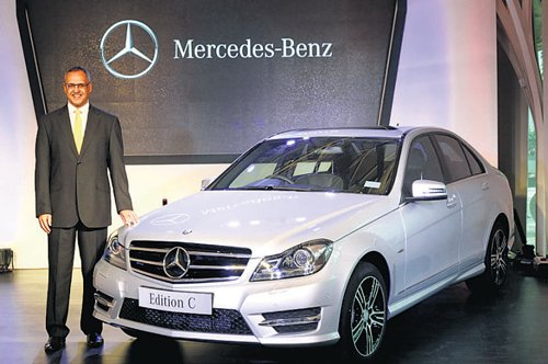 Mercedes-Benz accused of 'price-fixing' in China