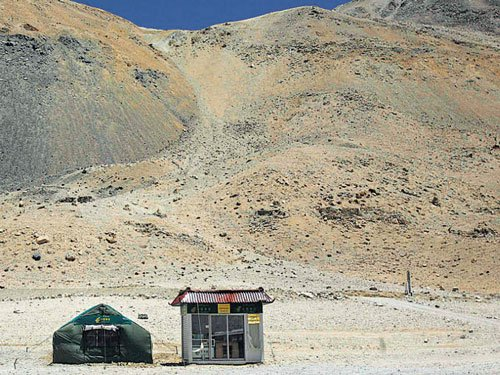 Tibetans' unique ability to survive at high altitudes deciphered