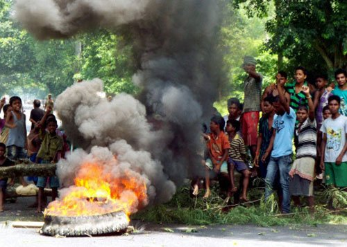 4 killed in police firing near Assam-Nagaland border