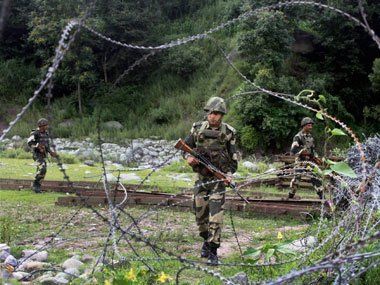 Pak targets two border out posts in Jammu