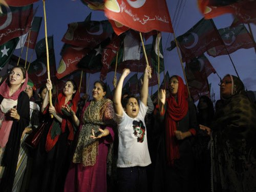 Anti-govt protests continue amidst deadlock over talks in Pak