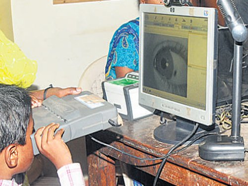 Aadhaar-linked biometric attendance for Central staff