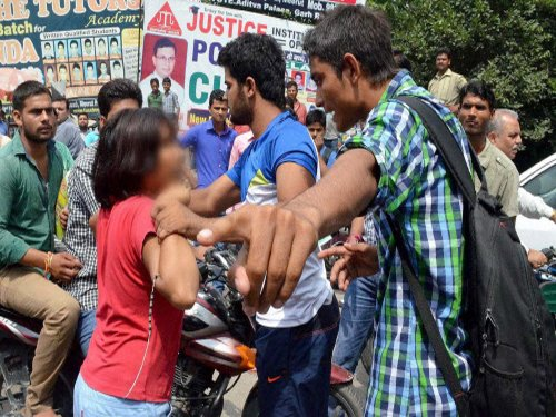 Meerut woman who took on goons accuses police of harassment