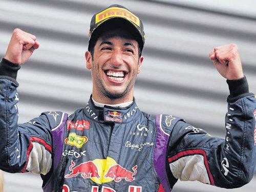 Ricciardo eases to victory at Spa
