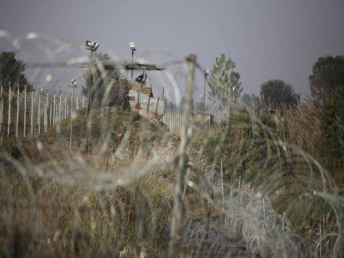 Indo-Pak DGMOs hold talks