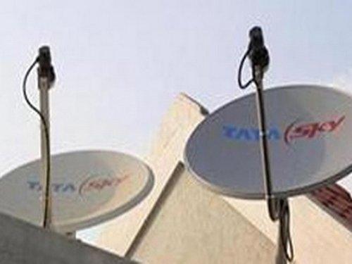 Govt tells cable TV operators  to cut rates