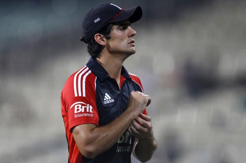 Cook wins toss, elects to bowl