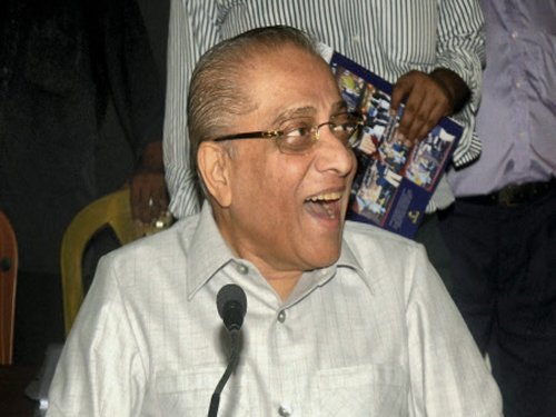 Police complaint against Dalmiya for dishonouring tricolour
