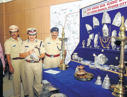 City police crack 11 cases, `8.61L worth articles recovered